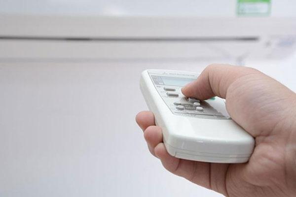 Máy lạnh 2 chiều rất được ưa chuộng ở miền Bắc và miền Trung vì thế việc sử dụng chế độ sưởi ẩm sao cho hiệu quả rất được người dùng quan tâm