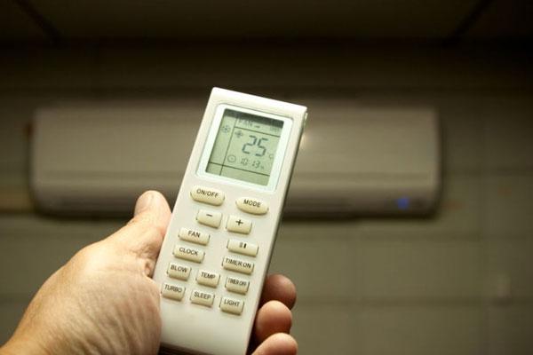 Nhiệt độ máy lạnh cần cài đặt không quá chênh lệch so với môi trường ngoài