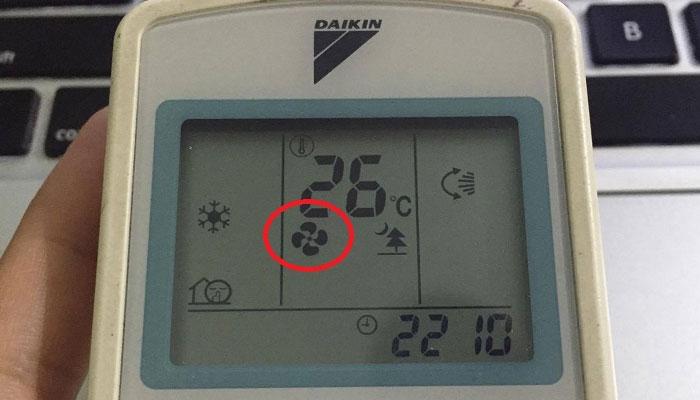 Nước từ máy lạnh trong lúc vận hành sẽ được làm khô với X-fan