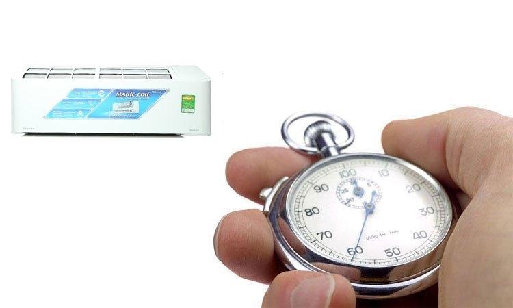 Máy lạnh Toshiba 2HP RAS-H18PKCVG-V hẹn giờ bật/tắt thông minh