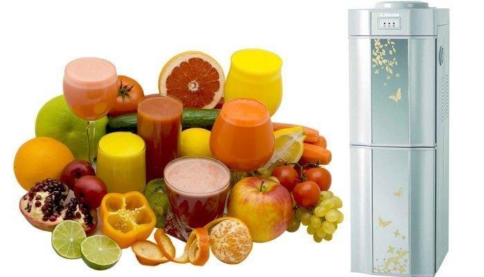 Ngăn lạnh của máy nước nóng lạnh giúp thực phẩm được làm mát