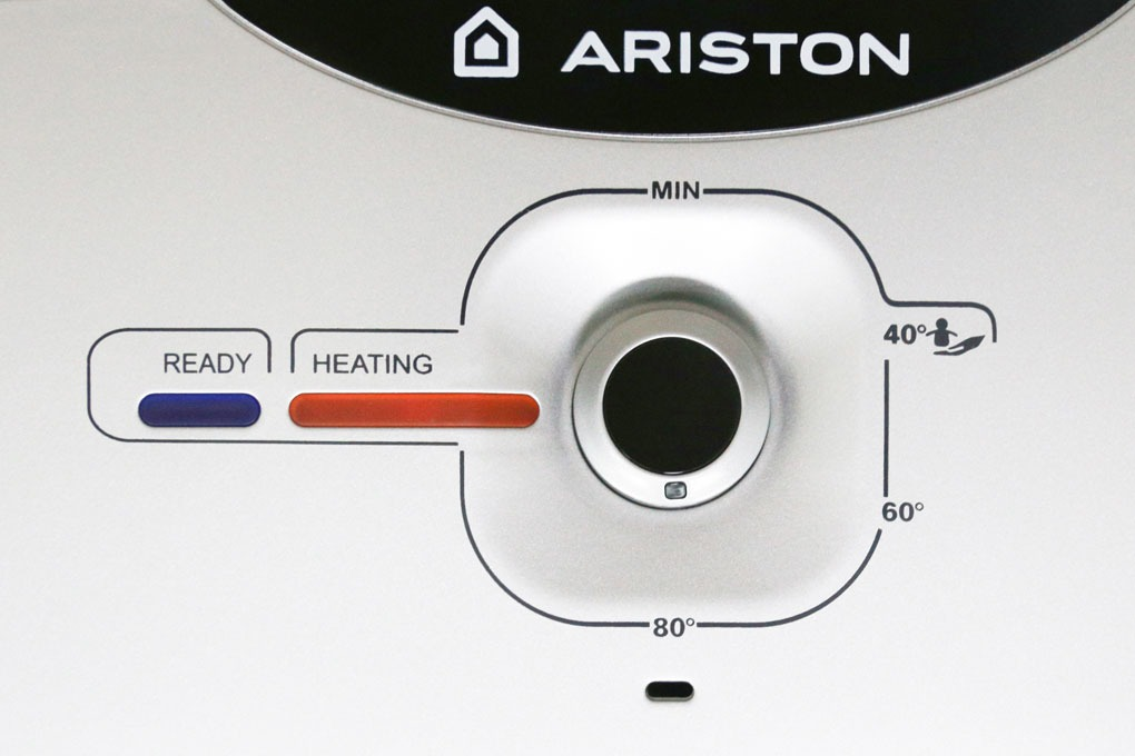may-nuoc-nong-ariston-an2-30-rs-2.5-fe-mt