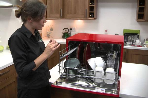 Máy rửa chén để bàn dễ dàng di chuyển, bố trí