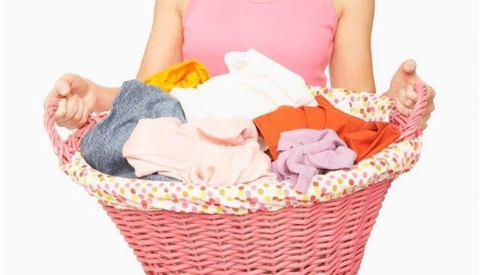 Bạn cần phân loại quần áo trước khi cho vào máy sấy quần áo để tiết kiệm điện cũng như không làm hỏng máy