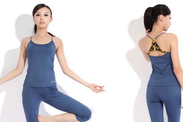 Tránh cho những bộ cánh ôm vào máy sấy quần áo để hạn chế bị co giãn