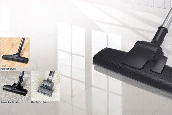 Máy hút bụi Samsung VC15H4030VB/SV với đầu hút bụi đa năng giúp bạn diệt muỗi ở mọi ngóc ngách