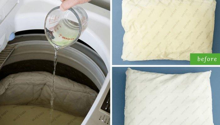 Cho nước tẩy, hỗn hợp bay nãy vào máy giặt