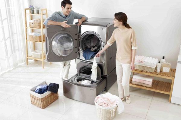 Thiết kế kim loại sang trọng và cứng cáp giúp máy giặt lồng đôi trở nên khác biệt trên thị trường