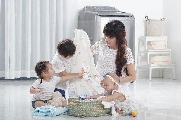 Nhà có trẻ em nên chọn máy giặt có khối lượng giặt nhiều hơn