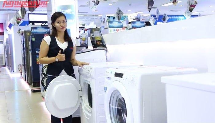 Máy giặt lồng ngang nhiều dòng có tích hợp tính năng sấy