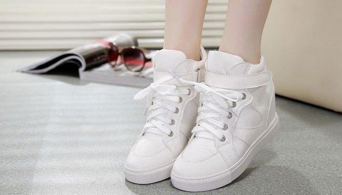 Các loại giầy như giầy thể thao, trẻ em... có thể giặt bằng máy giặt