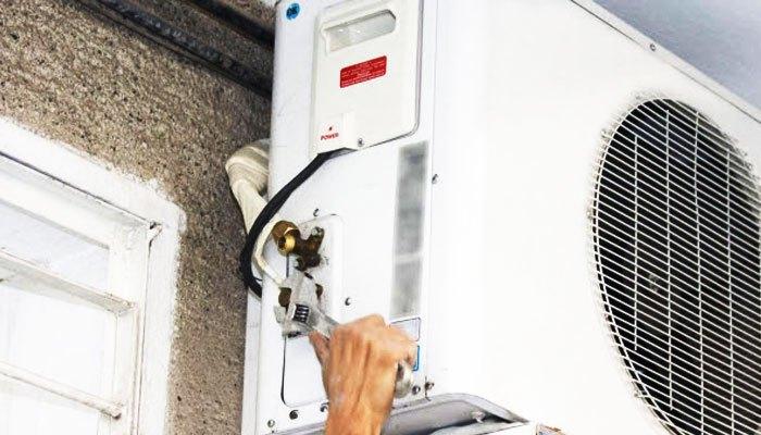 """Thiết bị đo sẽ giúp bạn """"chẩn đoán"""" chính xác nguyên nhân khiến máy lạnh Panasonic báo đèn đỏ"""