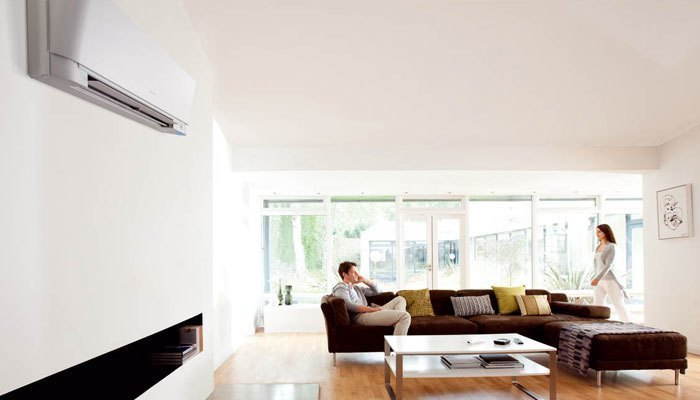 Cửa kính sẽ dễ hấp thụ nhiệt, khiến máy lạnh hoạt động công suất cao hơn