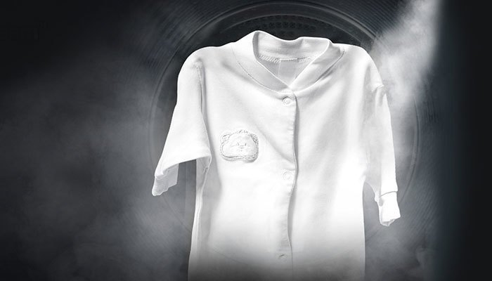 Máy giặt hơi nước xử lý vết bẩn trên quần áo triệt để