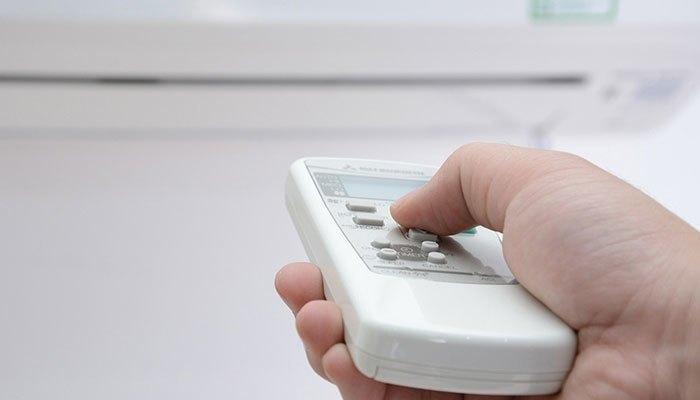 Đừng chỉnh nhiệt độ máy lạnh quá thấp sẽ tốn tiền điện lắm đấy!