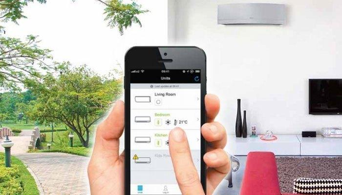 Với smartphone, bạn có thể điều khiển máy lạnh ở mọi lúc mọi nơi