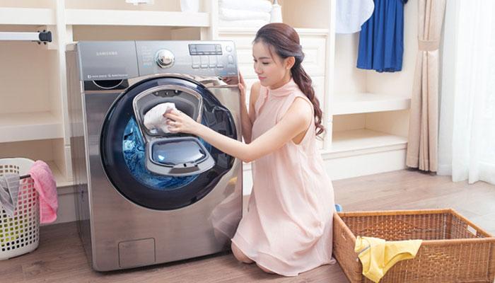 Không phải lúc nào quần áo trong máy giặt cũng cần giặt với nước nóng