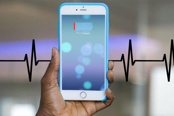 Hãy nhớ sử dụng chế độ tiết kiệm pin của điện thoại để luôn giữ được liên lạc khi cần thiết