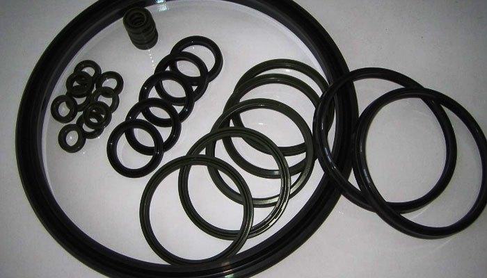 Kiểm tra và vệ sinh gioăng cao su của máy nước nóng thường xuyên
