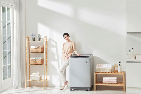 Máy giặt LG Smart Inverter có giá từ 6,2 triệu đồng.
