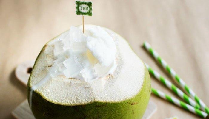 Hãy cùng gia đình thưởng thức bingsu trái dừa mát lạnh nhé!