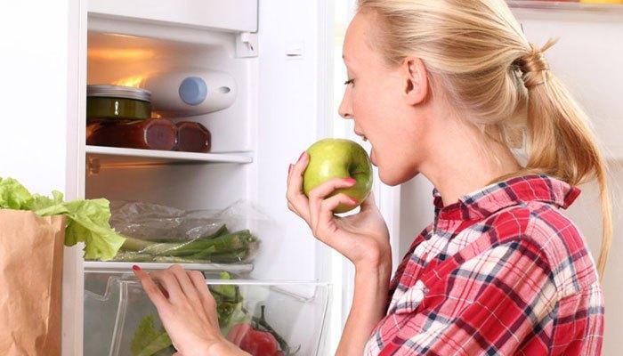 Cảm biếnECONAVI trên tủ lạnh Panasonic NR-BV288XSVN giúp điều chỉnh nhiệt độ phù hợp với tần suất mở cửa