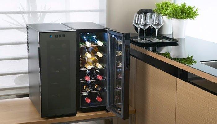 Đặt rượu nằm ngang trong tủ lạnh