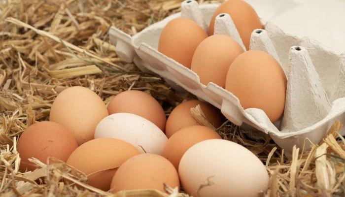 Dùng trứng gà trữ trong tủ lạnh để làm mặt nạ