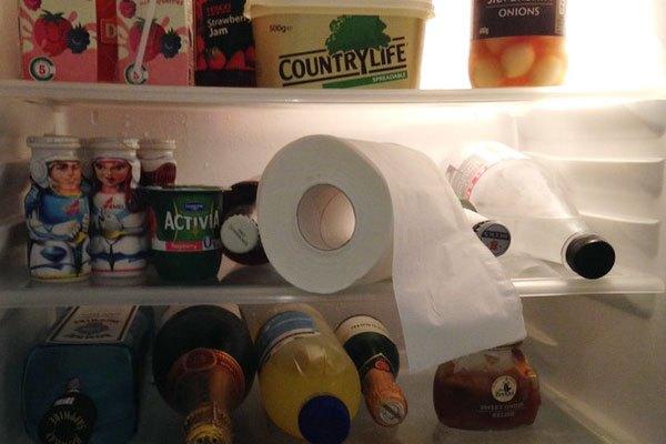Đặt cuộn giấy vệ sinh vào tủ lạnh và bạn sẽ hoàn toàn bất ngờ trước kết quả