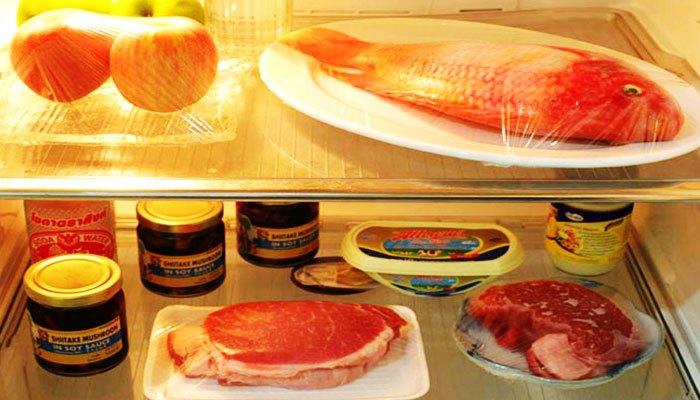 Không để thịt trong ngăn mát tủ lạnh