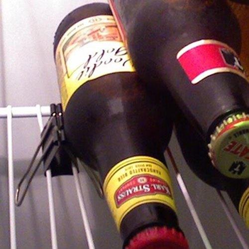 Dùng kẹp giấy để bia rượu không bị lăn trong tủ lạnh