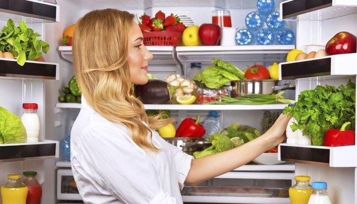 Tiết kiệm điện và giữ rau quả tươi ngon khi tủ lạnh được đặt bát nước