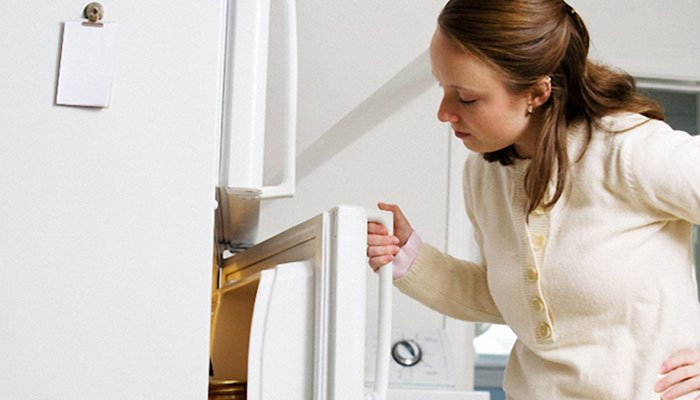 Đệm cao su tủ lạnh bị hỏng sẽ gây hao điện, không đông đá