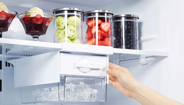 Tủ lạnh Panasonic có ngăn làm đá phát ra tiếng ồn là hiện tượng thường gặp