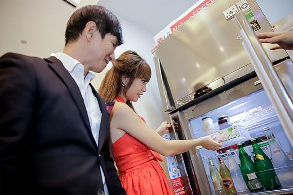 Và tham gia trải nghiệm công nghệ hoàn toàn mới được trang bị trên tủ lạnh Inverter Linear của LG, cho hiệu quả làm lạnh tối ưu nhất.