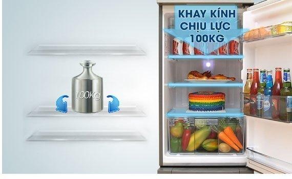 Tủ lạnh Panasonic NR-BA228PKVN khay kính chịu lực tốt