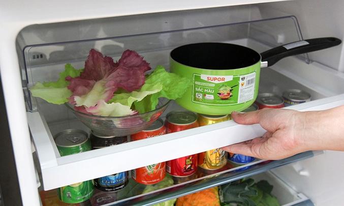 Tủ lạnh Toshiba GR-TG41VPDZ (XK1) 359 lít khay kệ linh hoạt