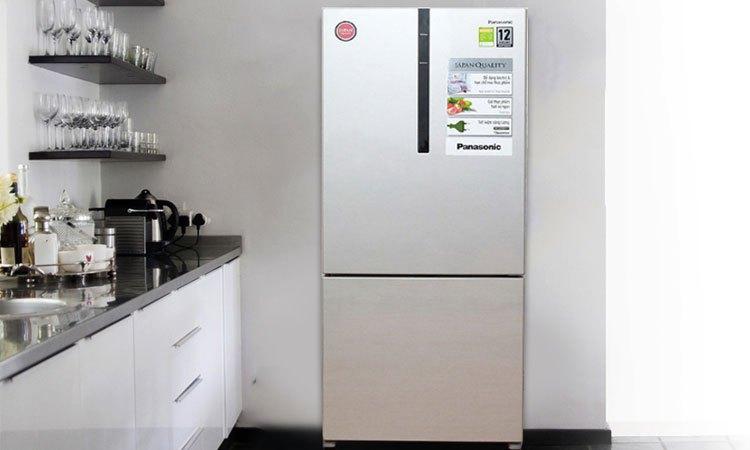 Tủ lạnh PANASONIC 363 lít NR-BX418VSVN bề mặt phẳng đầy sang trọng và tinh tế