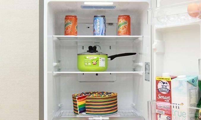 Tủ lạnh Toshiba GR-M28VBZ(DS) khay kính chịu lực bền bỉ