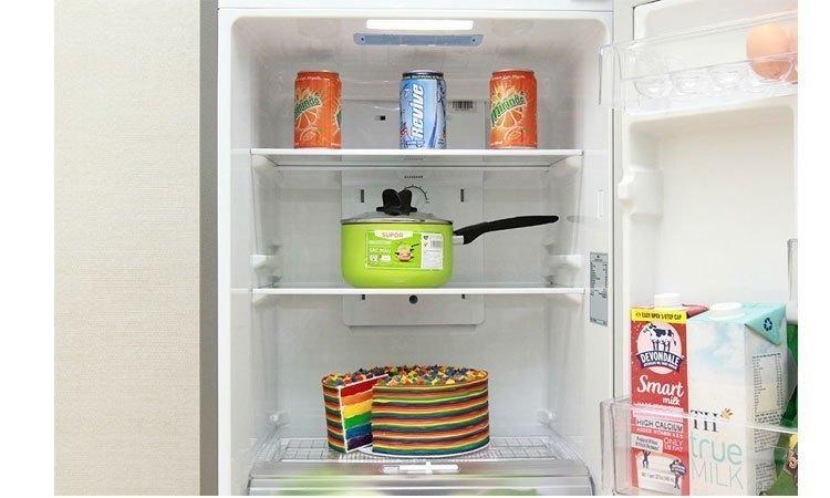 Tủ lạnh Toshiba GR-M28VBZ(S) khay kính chịu lực bền bỉ