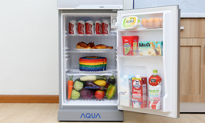 Tủ lạnh Aqua AQR-125BN 110 lít bạc có đèn LED