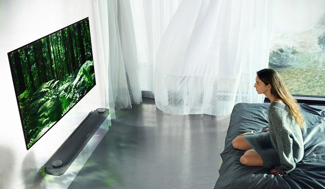 Tivi OLED LG 77 inch W7T tích hợp dàn loa siêu khủng