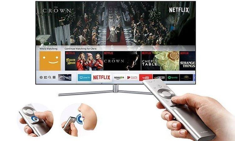 Điều khiển cực kỳ dễ dàng bằng chức năng One Remote trên chiếc Tivi QLED Samsung QA49Q7FAMKXXV