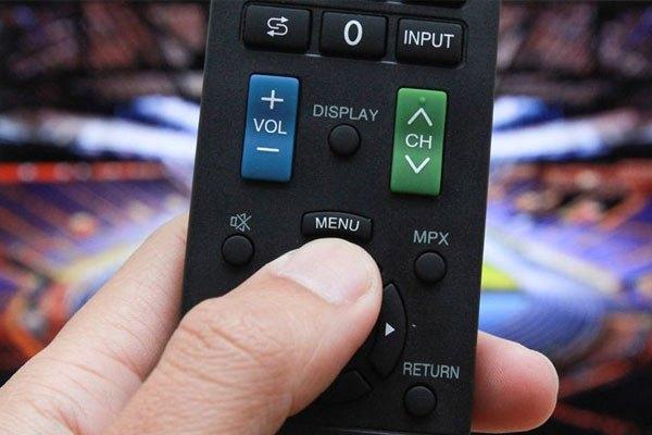 Remote có thể do hết pin nên bạn không điều khiển được tivi Sharp
