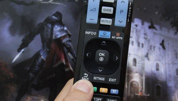 Nhấn Back thay vì Home sẽ khiến bạn cảm nhận rõ sự hoạt động mượt mà của Smart tivi