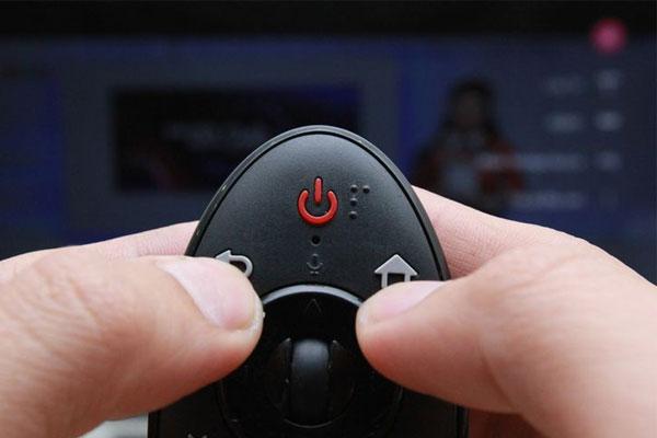 Remote ngày càng được thiết kế thông minh, không khác gì so với con chuột máy tính