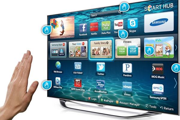 Smart tivi còn có tính năng tìm kiếm bằng giọng nói, nhận diện khuôn mặt, điều khiển bằng giọng nói, điều khiển bằng cử chỉ