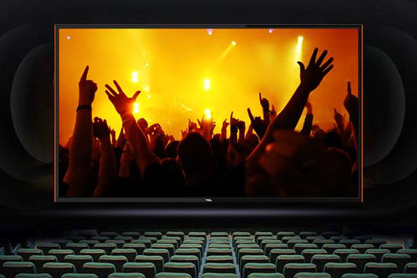 Tivi TCL còn được trang bị 2 loa tổng công suất 16 W, âm thanh trong trẻo với công nghệ loa xoắn ốc