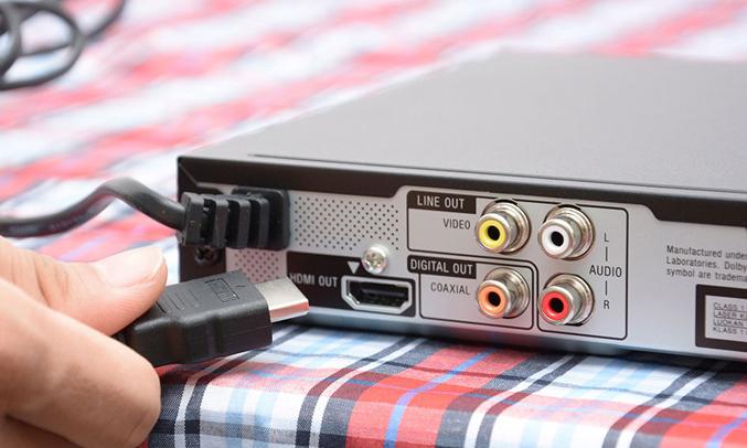 DVD Sony DVP-SR760HPBCSP6 kết nối USB