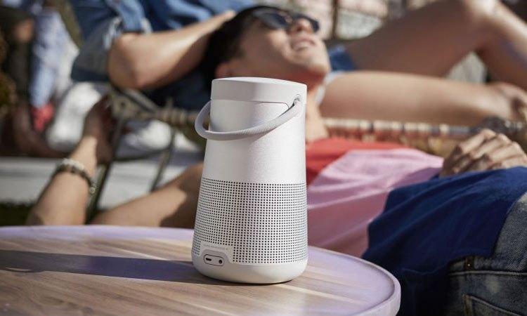 Thỏa sức nghe nhạc với loa Bose Soundlink Revolve Plus xám
